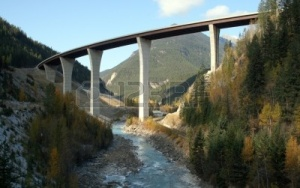 6254616-park-bridge-golden-bc--spanning-kicking-horse-canyon